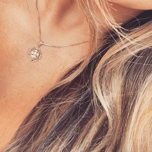 Gold & pearl dainty necklace